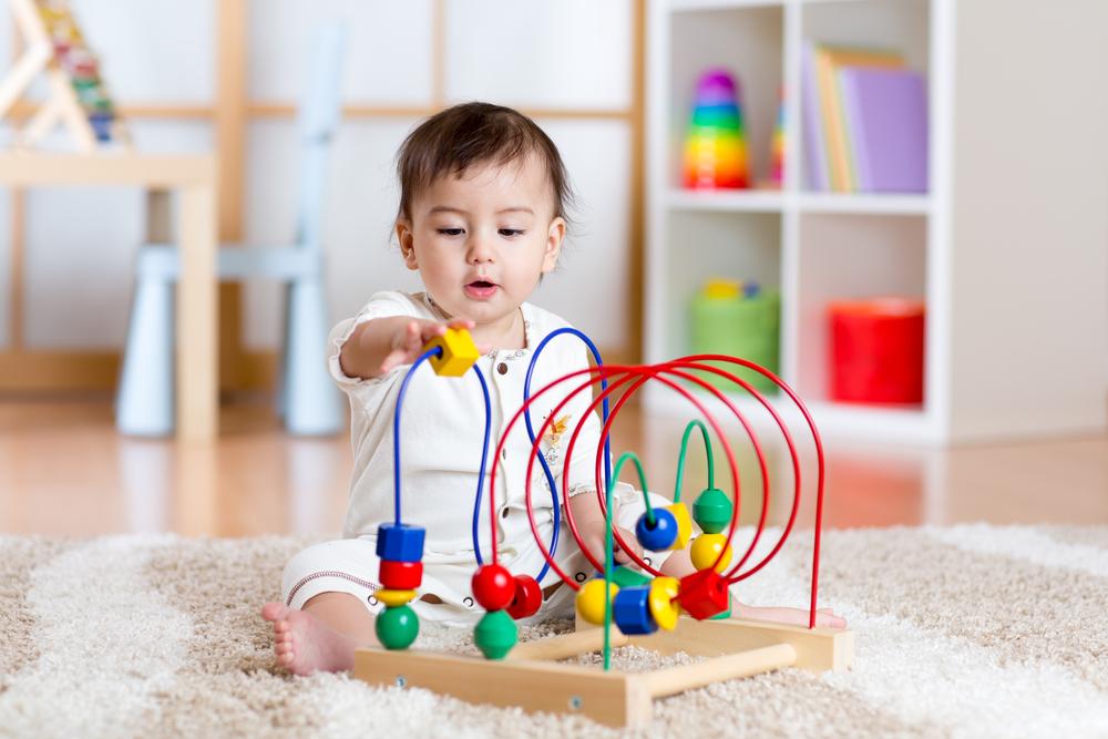 6 Tips Dalam Memilih Mainan Bayi